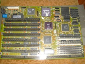 386-os alaplap, immár 486DLC-vel és 487-es társprocesszorral