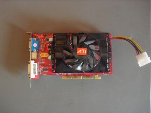 Radeon 9800XT univerzális AGP-vel