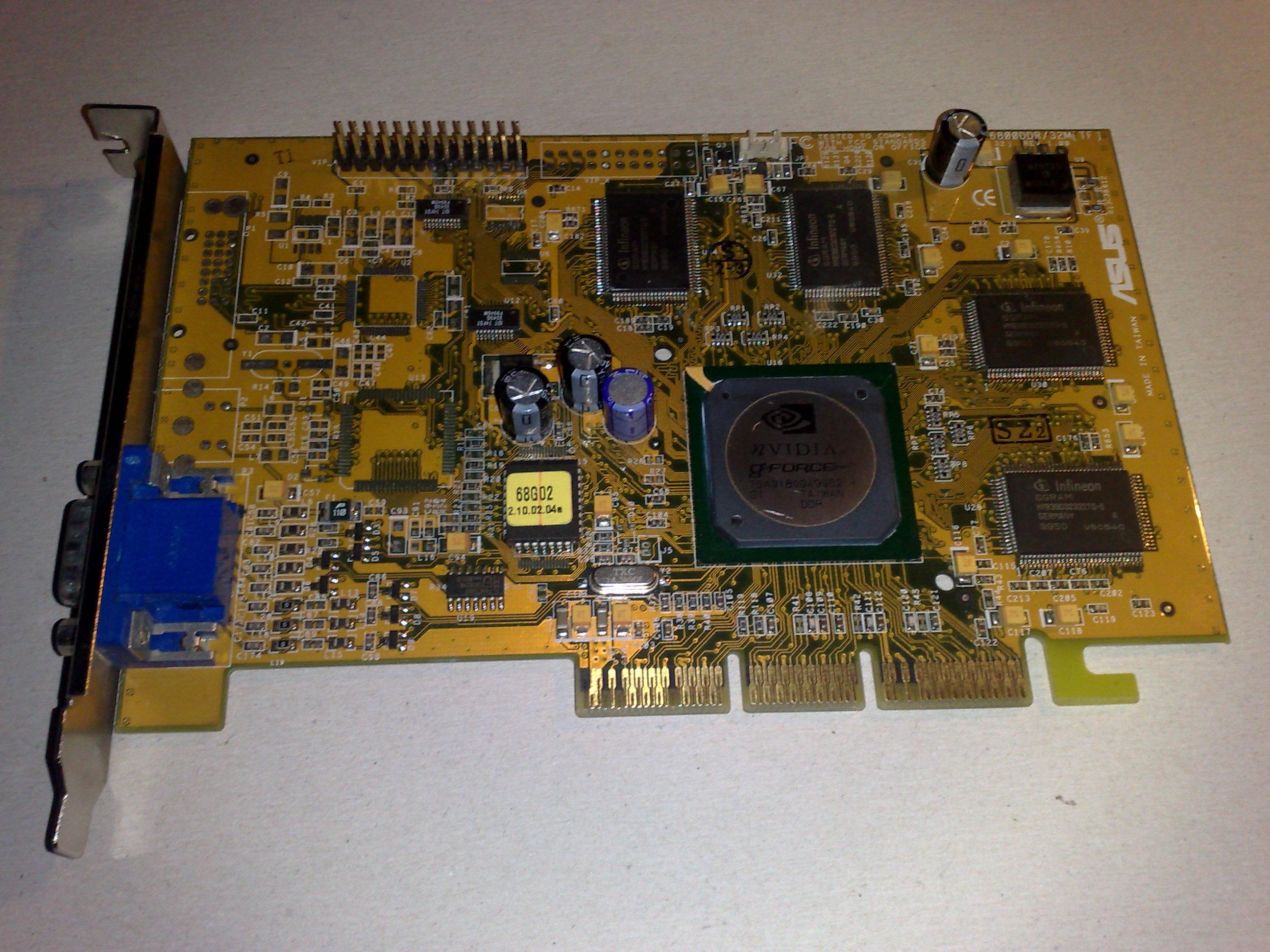 GeForce 256 mivel birkózol meg?
