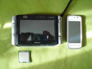 A telefonom alig kisebb nála