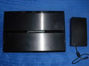 Clevo X7200 és a töltője