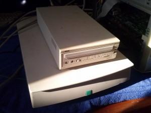 Yamaha külső CD író, és HP DeskScan 5P scanner SCSI csatolóval