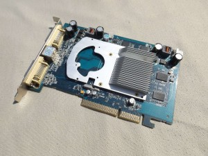 Sapphire Radeon HD3650... Vagy 2600 XT?